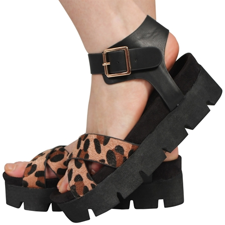 DEBBIE LADIES FOAM SOLE ANKLE STRAP BUCKLE SUMMER FLATFORM SANDALS IN LEOPARD
